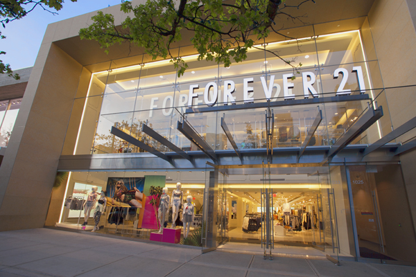 Retail Store Front - Forever 21 at 1025 Robson Street, Vancouver, BC Product: 10mm Starphire Insulated Glass Units with Stella Spider Fittings  Glazier: Superior Glass